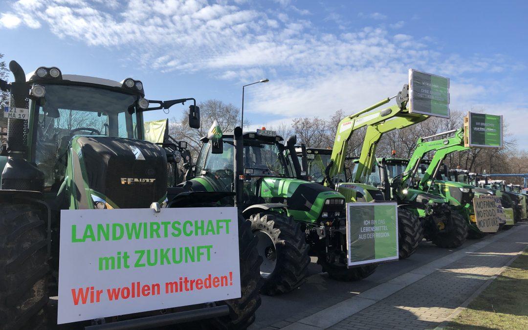 Bauern demonstrieren vorm Landtag