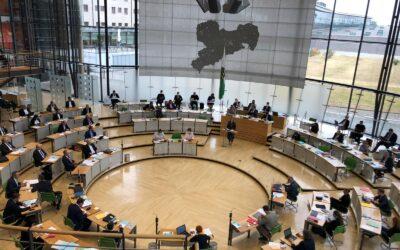 Sommerpause – Landtag bearbeitete 40 Gesetzentwürfe im Parlamentsjahr 2020/2021